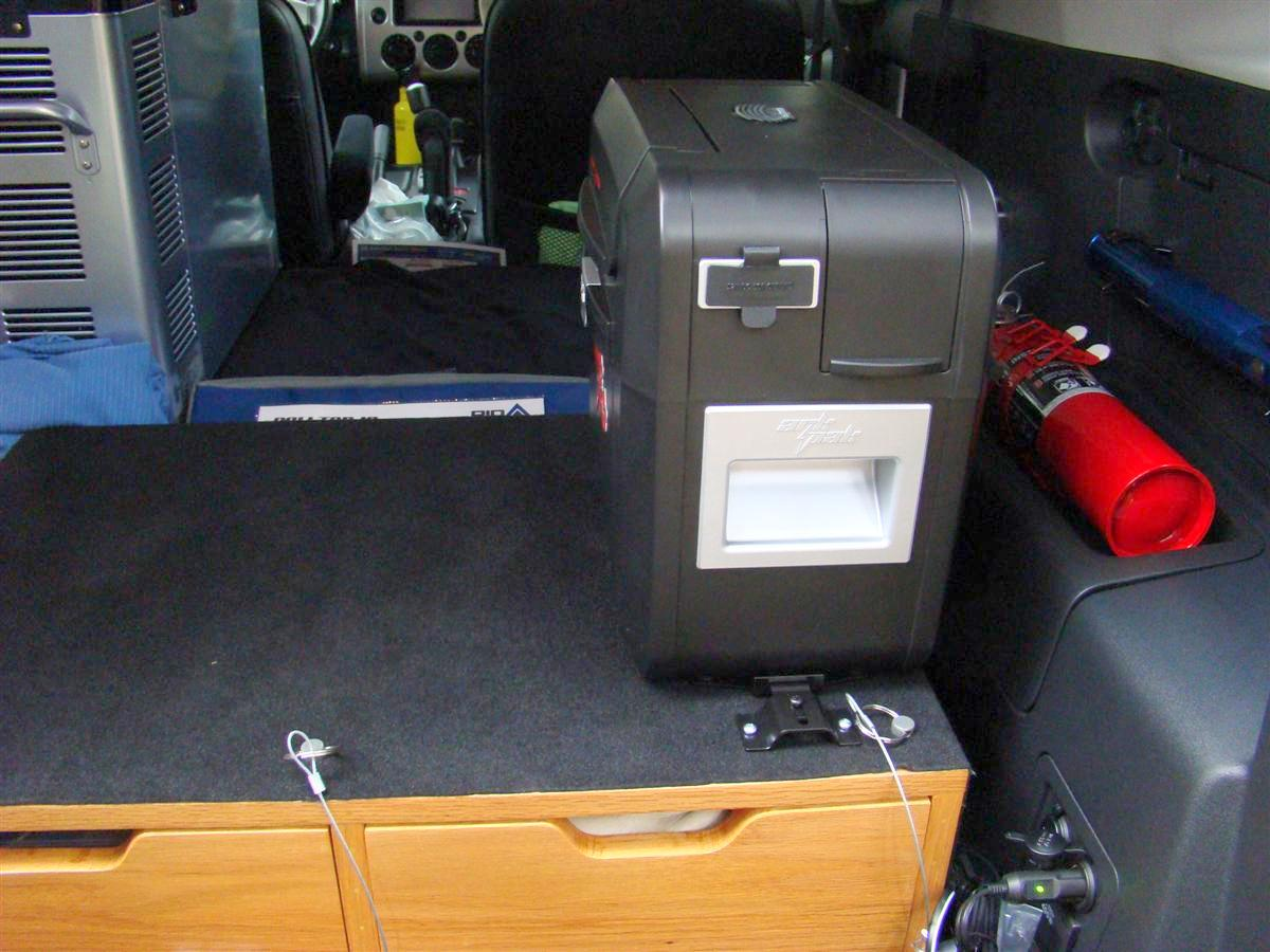 Corey s 2007 fj cruiser build up thread page 9 yotatech forums - 12v Cable Plugged Into The Charging Port