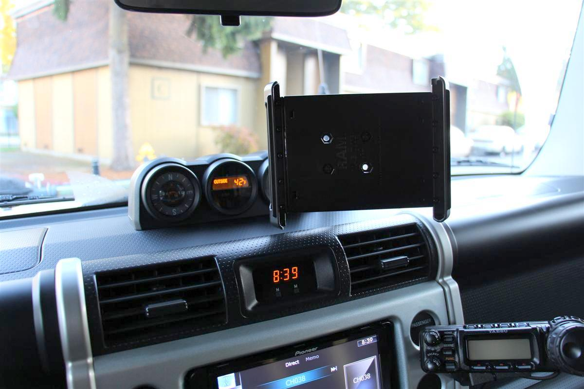 Corey s 2007 fj cruiser build up thread page 9 yotatech forums - Cradle Mount With No Tablet