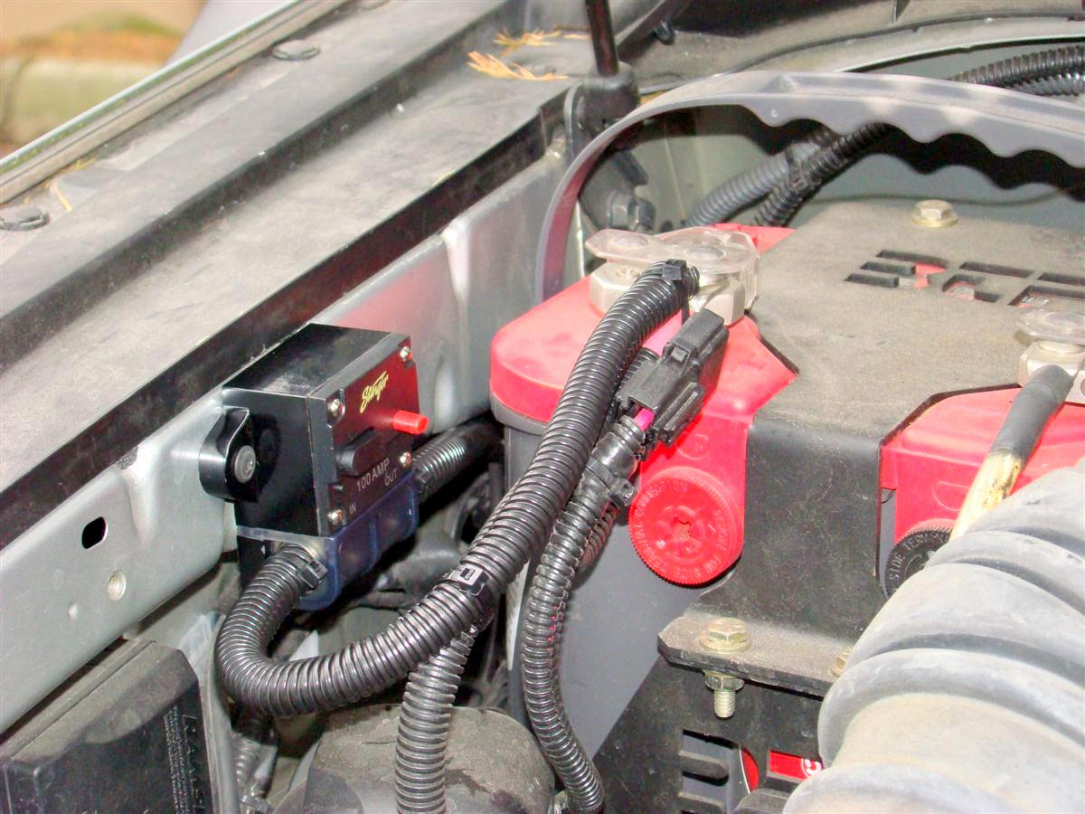 Corey s 2007 fj cruiser build up thread page 9 yotatech forums - Stinger 100 Amp Circuit Breaker Below Wired Up To My Auxiliary Battery An Optima Red Top Pump Is Live All The Time Without Needing The Key Turned On Once