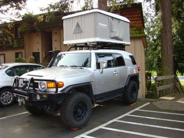 Here are a few pictures of the Maggiolina AirLand roof top tent. & FJ Cruiser Modifications Page Three